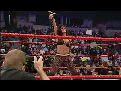 Melina dethrones WWE Women's Champion Mickie James: Monday Night Raw, Feb. 19, 2007