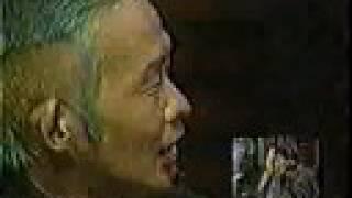 1997.09.17 「自分でカットした」というおもしろいヘアスタイルで登場。...
