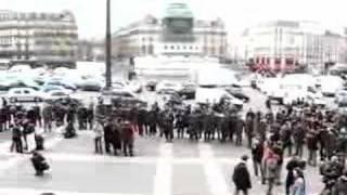 Jeunes Bloqués par des CRS a Bastille Mp3