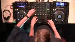 Repeat youtube video Martin Garrix - Animals (Martin Garrix & Tv Noise Mix)