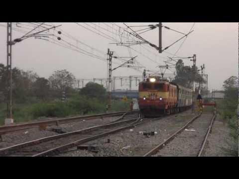 Late Running 17210 Seshadri Express with 21255 AJJ WAM 4/6 PE arriving at Srikalahasti