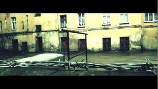 Teledysk: Szara Eminencja SZEM - Ponad Normę feat.Dj.Taek (gościnnie Mika)