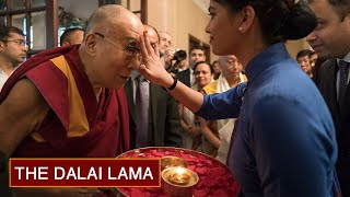 His Holiness the Dalai Lama Arrives in Kolkata