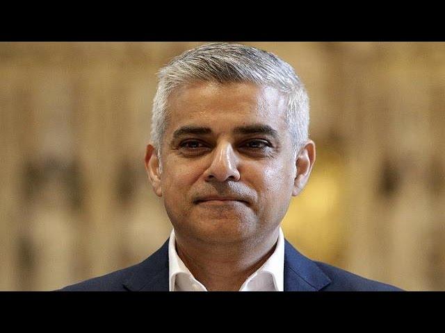 Sadiq Khan sworn-in as London's new mayor