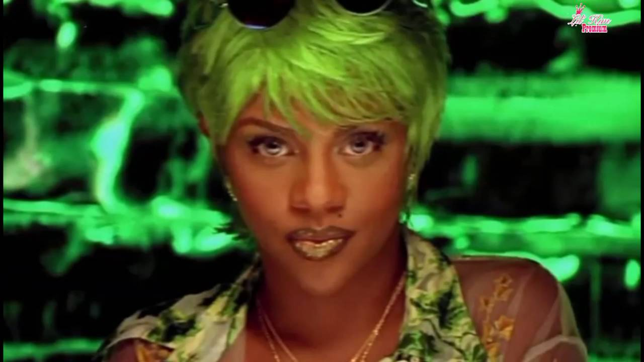 Lil 39 kim crush on you official video feat lil 39 cease for House music 1997