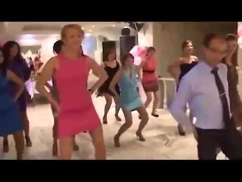 Голой вугал видео, дюймовочка в групповом порно смотреть