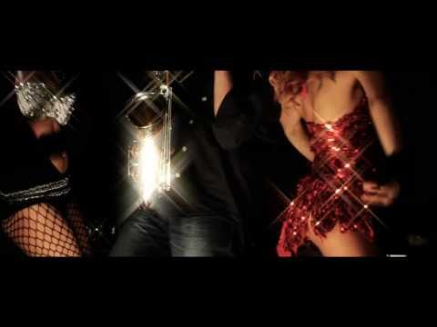 Özgür Akkuş-Özgürüm Remixes, Kemer Oyunu Retroremix, Orjinal Klip 2010