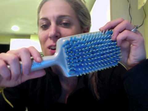 VEGA X-Look Paddle Straightening Brush (VHSB-02)   Vega Electric Hair Brush from YouTube · Duration:  1 minutes 9 seconds