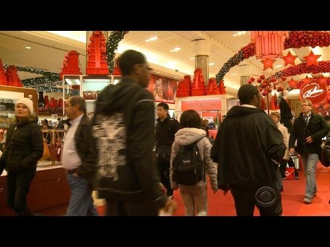 Holiday bargains abound as stores try to snag last-minute shoppers