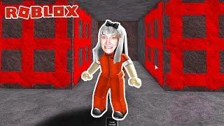 Roblox: NINA BRICHT FROM PRISON OFF y está rodeado de trampas. Simulador de escape de la prisión