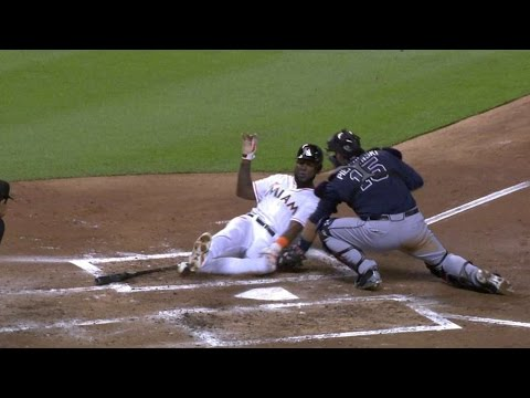ATL@MIA: Simmons Throws Out Ozuna Trying To Score