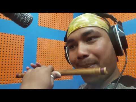 बल्ल पर्यो निरमाया माकुरी जालैमा बासुरीमा हेर्नुहोस्  Flute Playing By Ratna Bk