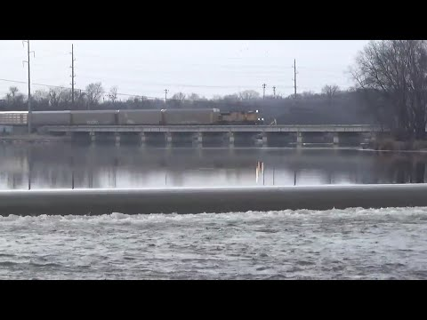 Railfanning UP Clinton Sub Norway Fairfax and Roller Dam Sac & Fox City Park Cedar Rapids, IA