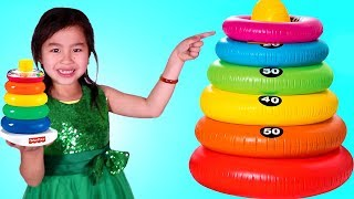 Jannie Aprende los T amaños con Juguetes de Stacking Rings  | Video Educativo y Divertido