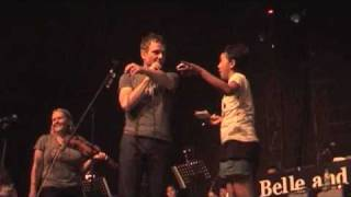 Belle and Sebastian in Jakarta - Stuart is thirsty