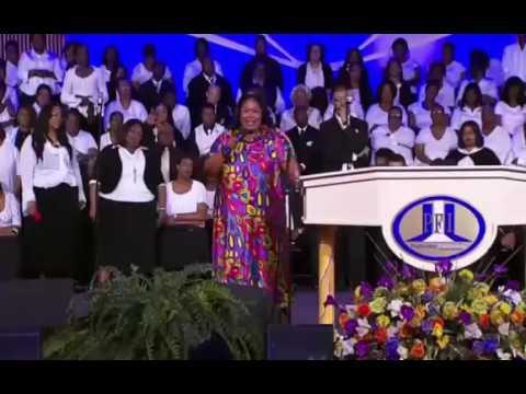 Marvin Winans 2017 Kathy Taylor and Marvin Winans at Holy Convocation 2017