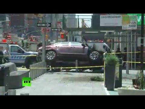 Vehicle plows into pedestrians in Times Square, 1 dead 19 injured (STREAMED)