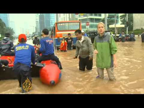 Thousands evacuated amid Jakarta floods