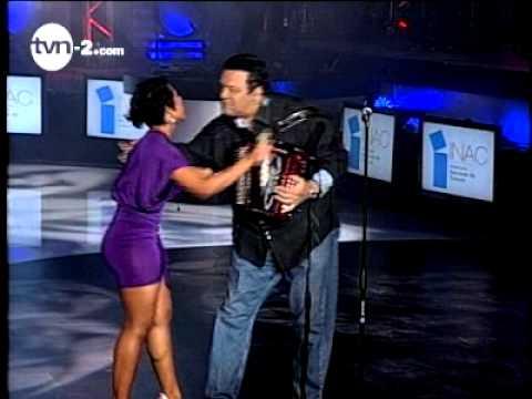 Marie Claire y Osvaldo Cantan -