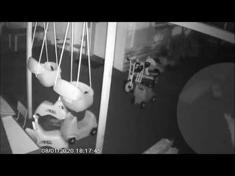 הצתת גן ילדים בשרון לעיני המצלמות
