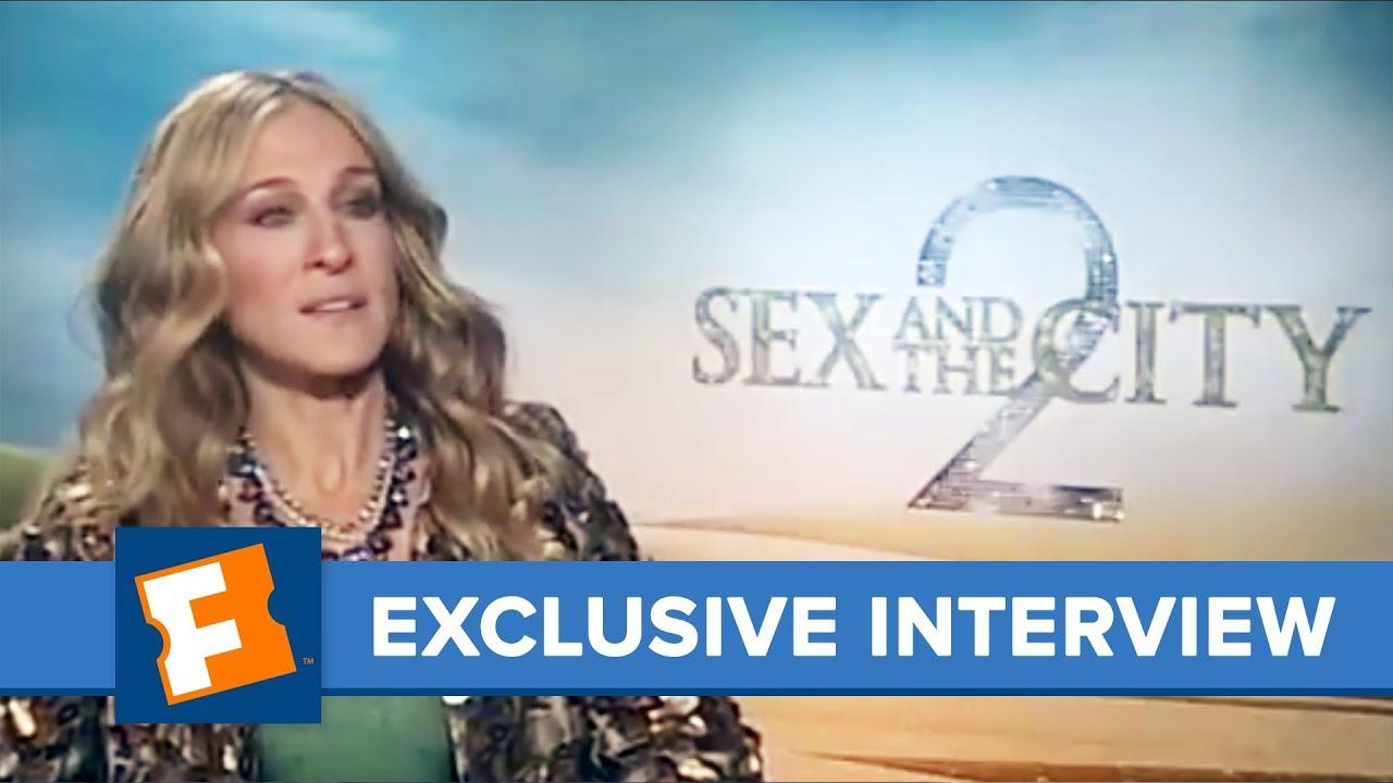 seks-so-znamenitostyami-video-ogromnie-siski-v-pirsinge
