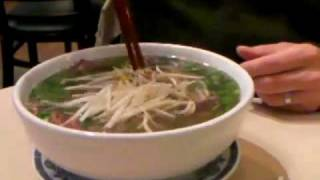 Chicago Food Whores visits:  Hing Kee - Chicago, ChinaTown for some PHO!