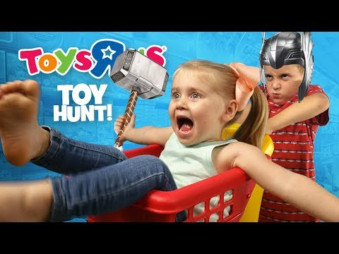 Toys R Us Hunt For THOR Ragnarok Movie Toys + Justice League & Hulk!