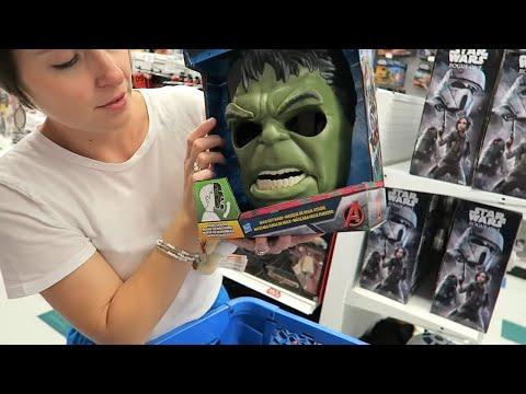 Toys R Us Hunt For THOR Ragnarok Movie Toys + Justice League & Hulk!