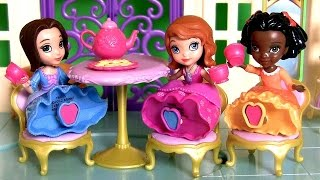 Play Doh Sofia Royal Tea for Three Set with Jade & Ruby Play Dough 3 Disney Princess
