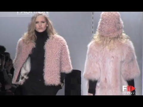 SIMONETTA RAVIZZA Fall 2009/2010 Milan - Fashion Channel