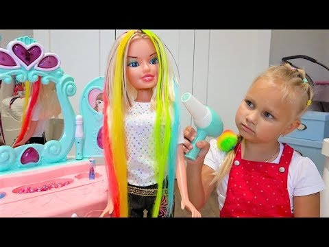 Alice plays in a BEAUTY SALON for kids !!!