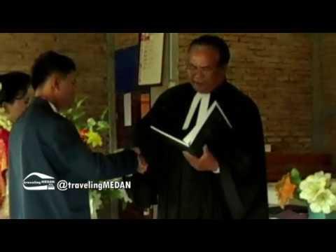 Pernikahan Adat Batak - Pemberkatan Gereja