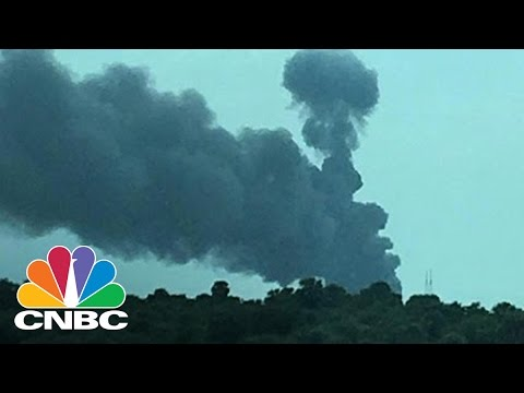 SpaceX Rocket Explodes During Test Firing At Cape Canaveral | CNBC
