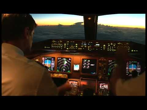 Air Austral772 Approach and Landing (RUN) Reunion Roland Garros Airport