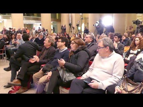 Elezioni, Renzi annuncia le dimissioni: applausi al comitato di Zingaretti, subito stoppati