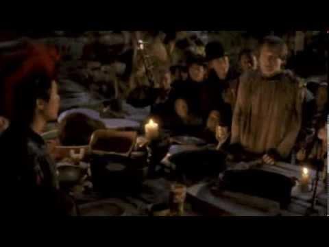 Hook : insultes entre Peter Pan et Rufio au cours du banquet