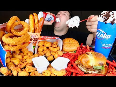 My First Time Trying Dairy Queen Blizzard • MUKBANG