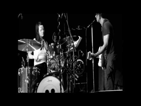 300 M.P.H. Torrential Outpour Blues live - The White Stripes HD