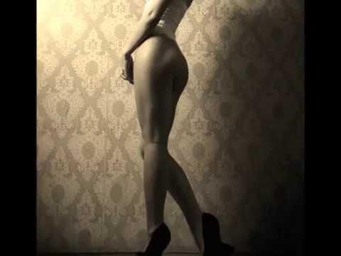 Интимное фото девушек в трикотажных леггинсах