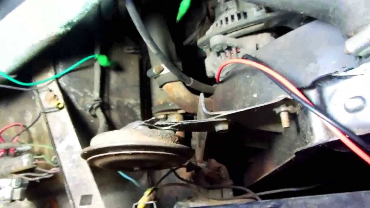 maxresdefault troubleshooting suzuki samurai horn a common problem youtube suzuki samurai complete wiring harness at fashall.co