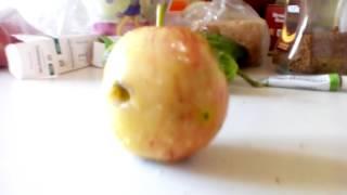 Что будет если запечь яблоко на газовой плите?
