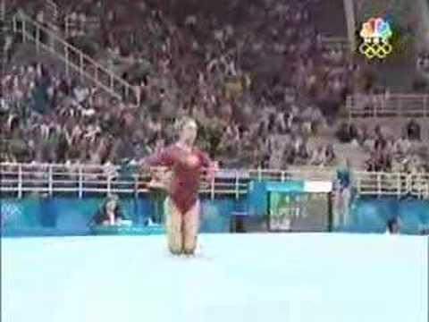 Courtney Kupets - Floor Exercise