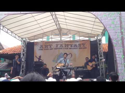 ART FANTASY (Dian Didaktika): The Overtunes - The Man Who Can't Be Move