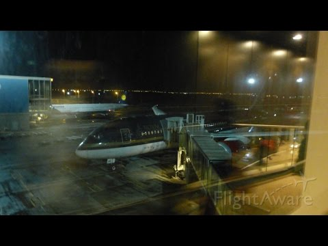 BUSINESS CLASS | Royal Jordanian B787-8 AMM-YUL-DTW Flight Experience Part 1