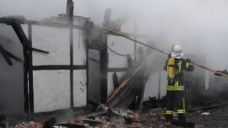 NRWspot.de | Schloss Hohenlimburg – Feuerwehr löscht Brand – alter Stall brennt vollständig aus