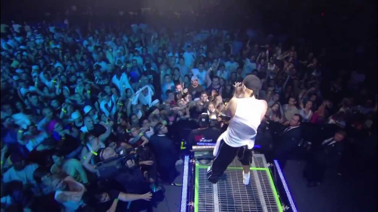 Eminem - Lose Yourself (8 mile) Live from New York City Madison Square Garden #1