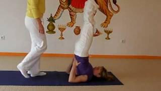 Schulterstand - Hilfestellungen aus dem Hatha Yoga