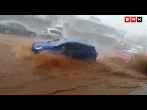 [WATCH] KZN hit by heavy rain and flooding