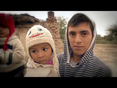 La historia de Emanuel, el joven de 16 años que se hizo cargo de sus hermanoss