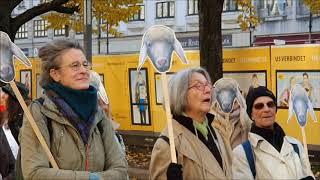Eindrücke von der A.M.O.K.-Parade (Anti-Militaristisches-Oberjubel-K.O.M.I.T.E.E) Berlin 10.11.2019